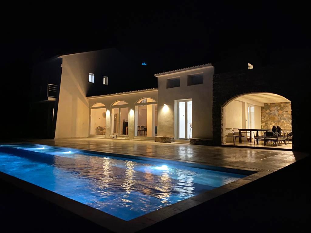 piscine-nuit-albitru