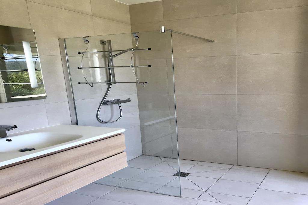 22 Salle de douche chambre 2